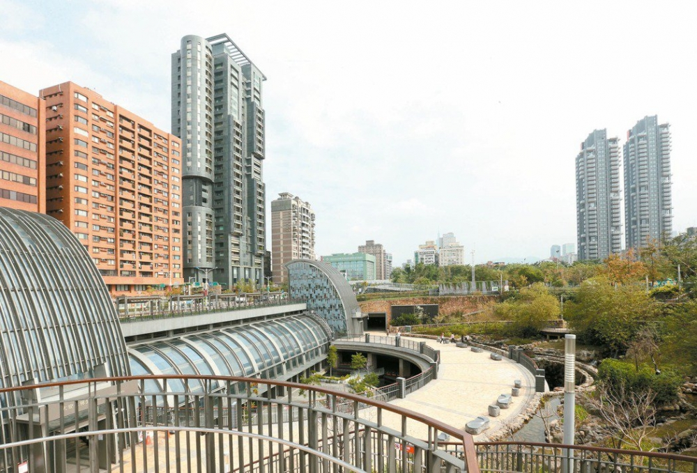 Tamsui-Xinyi Line, Eastern Extension JOX084
