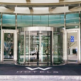 balanced door_W Hotel